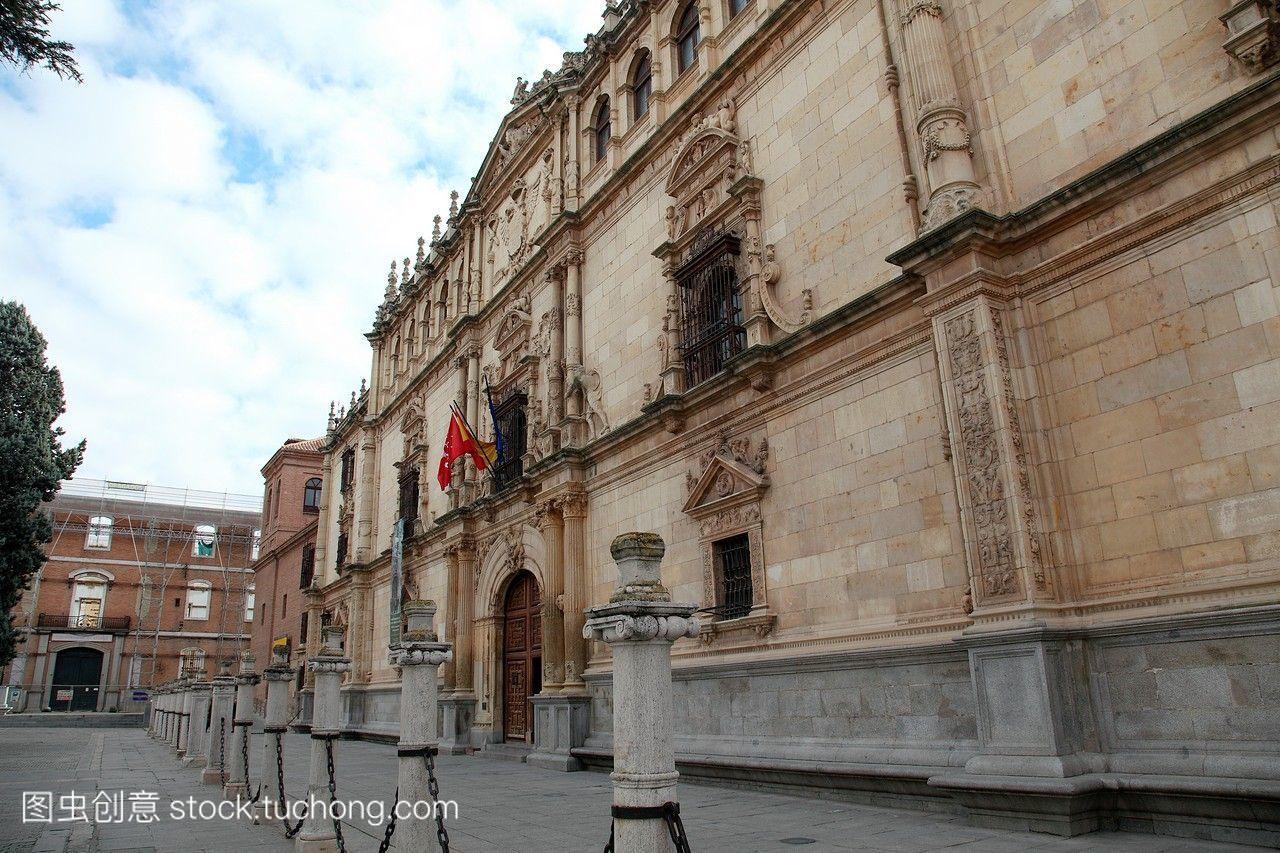 西班牙马德里alcaladehenares大学的全景图