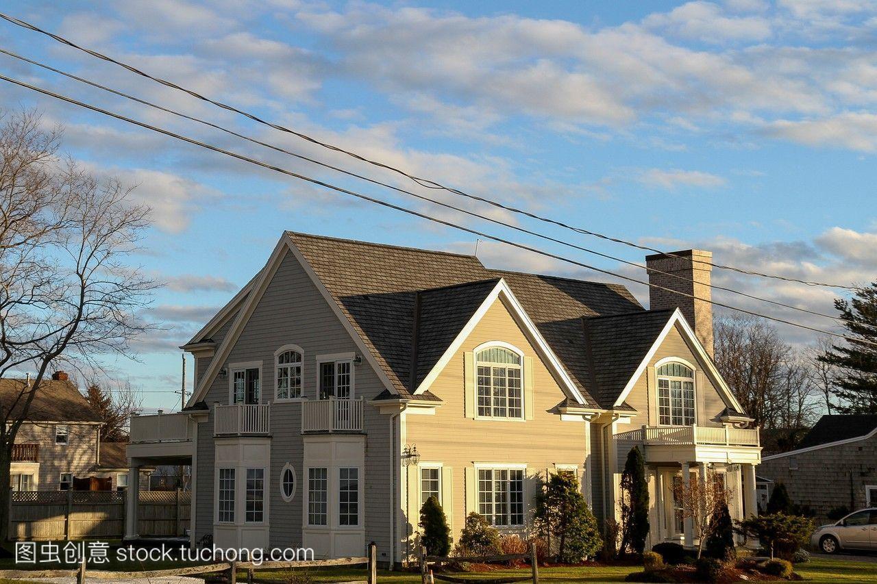 一个家在科德角光日落之前。美国马萨诸塞州科