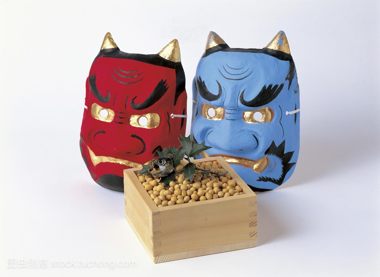 竹盒大豆OniSetsubun面具和沙丁鱼头装饰