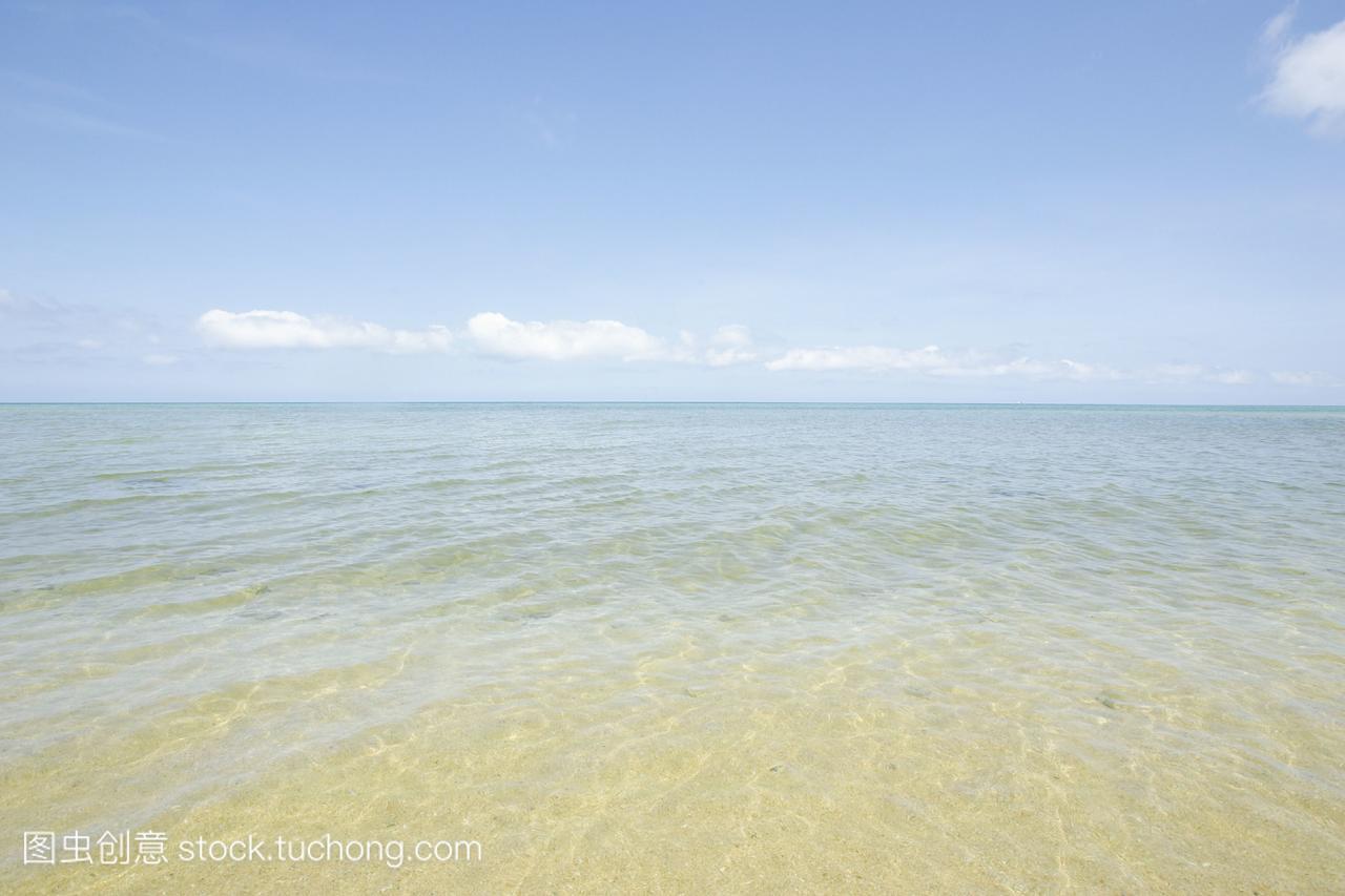 晴朗的天气,清澈的海水。冲绳县石垣岛日本