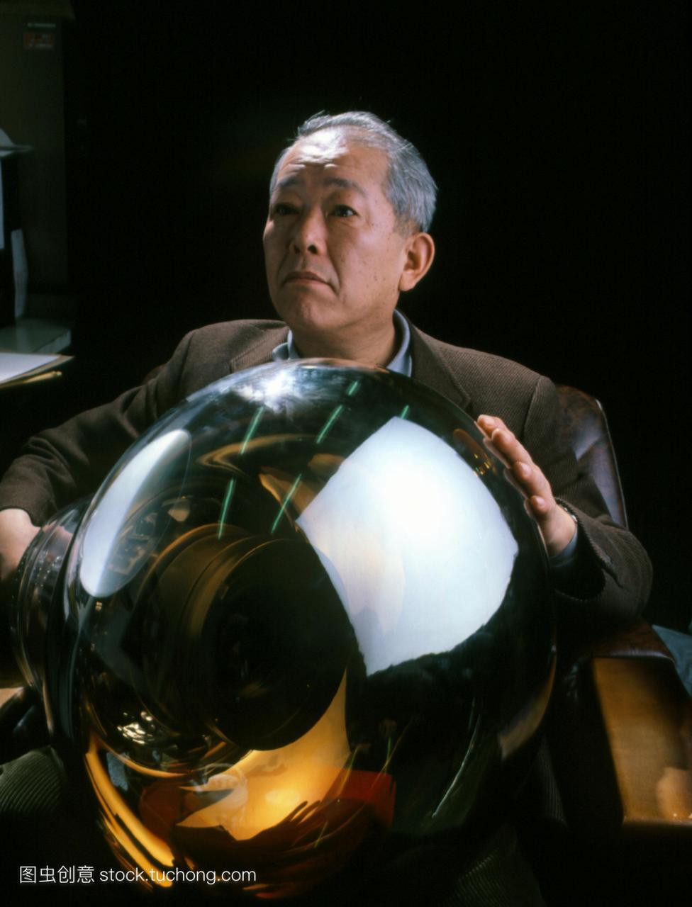 主任博士正敏Koshiba东京大学的质子衰变实验