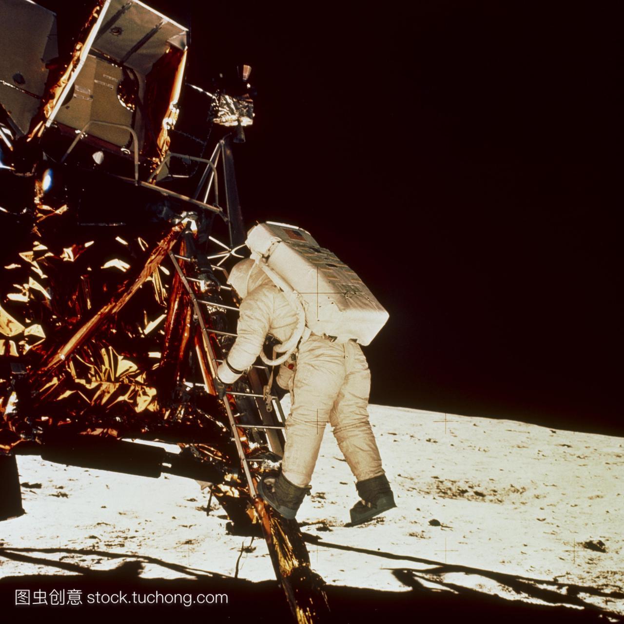 罗11号的照片埃德温·e·奥尔德林下行登月舱