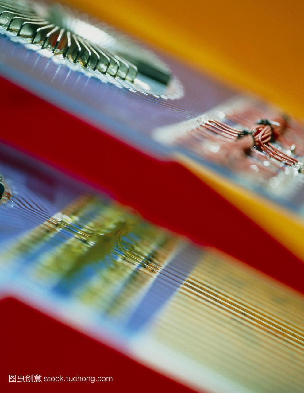 微晶片测试电路在制造过程中用于测试芯片的两